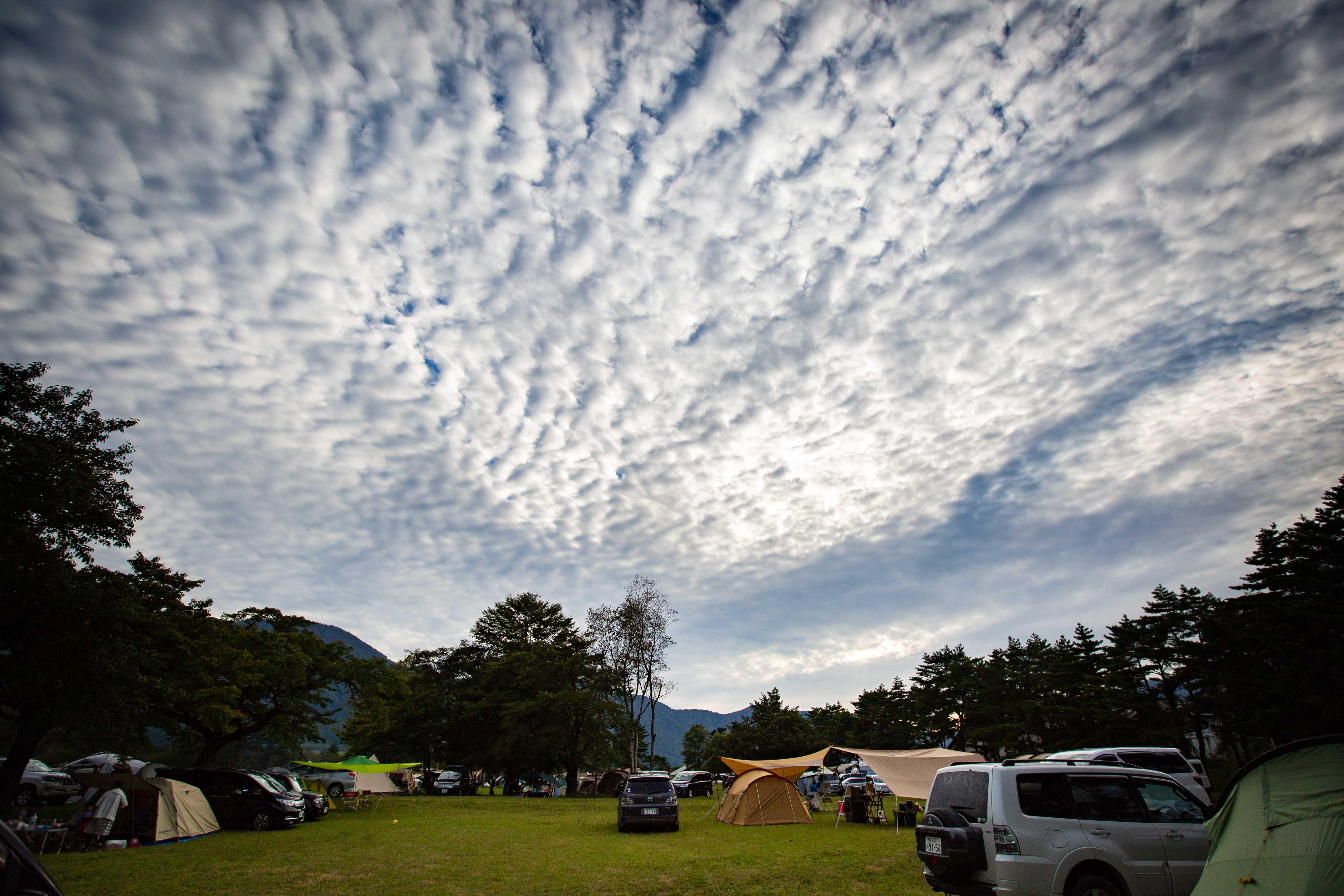吹上高原キャンプ場を覆う、うろこ雲
