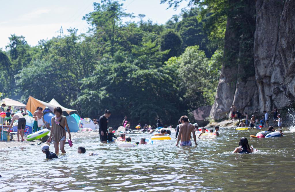 夏といえば、秋保で川遊び!泳ぐ!