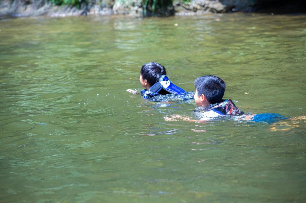 夏といえば、秋保で川遊び!潜る!