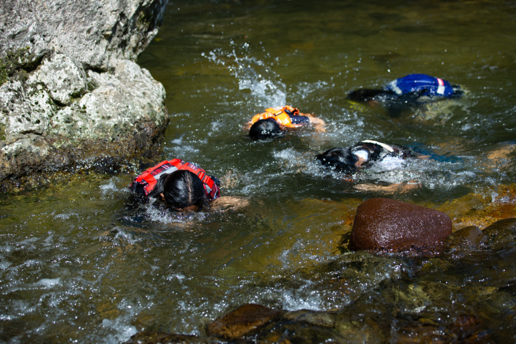 夏といえば、秋保で川遊び!泳ぐ!潜る!