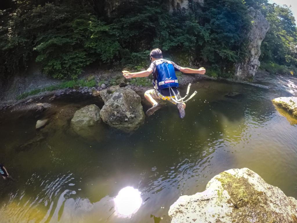 夏といえば、秋保で川遊び!飛び込む!