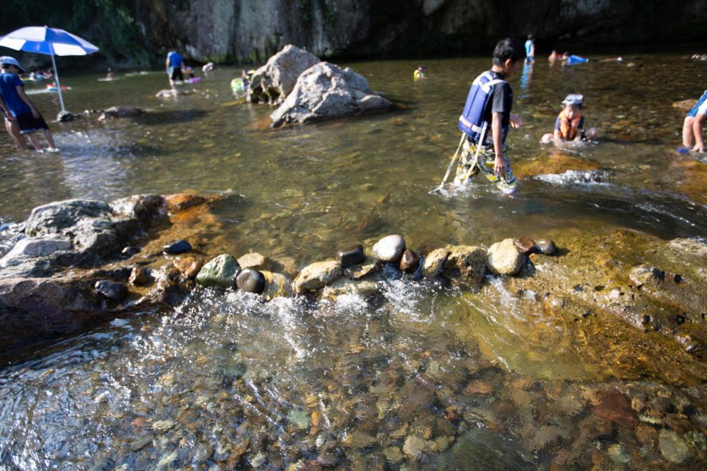 秋保で川遊び!ダム作り。