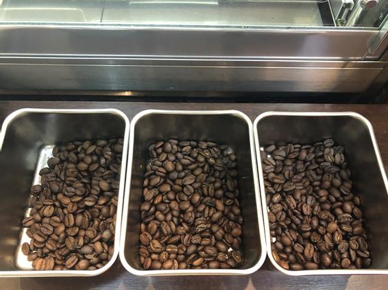 コーヒー豆の焙煎度合いでの味の違いを知ると人生得します。たぶん絶対。
