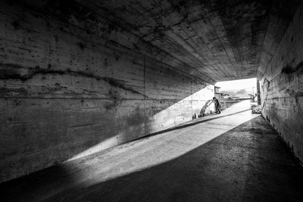 超広角レンズ、トンネルもパースが付いて迫力が出ます。