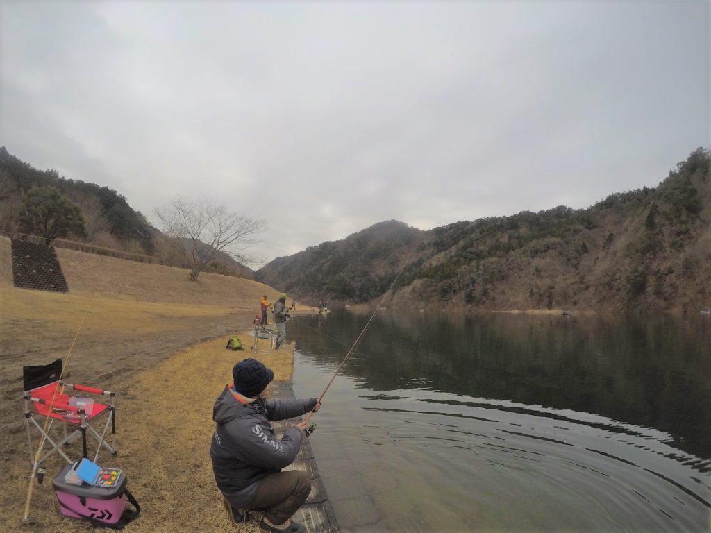 東古屋湖は解禁が3月始め頃、禁漁が年末あたりとなります
