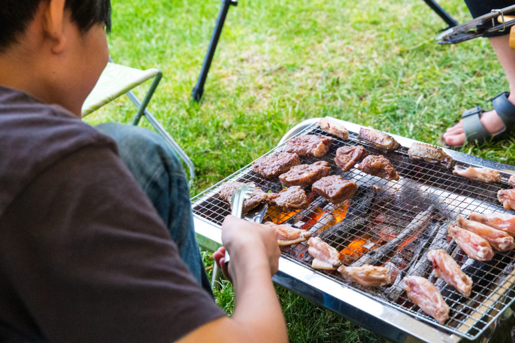 肉肉炭火焼きバーベキュー。南蔵王「グリーンパーク不忘」